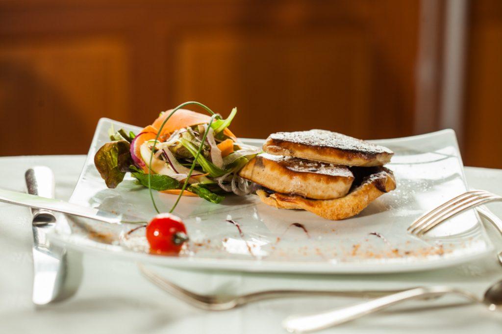 cuisine traditionnelle française escalope de foie gras canard IGP poèlé maitre restaurateur