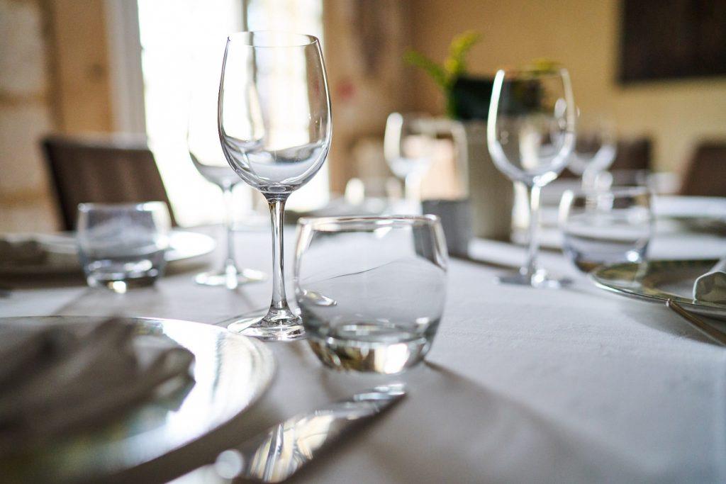 table 3 salle cheminée restaurant la flambée bergerac