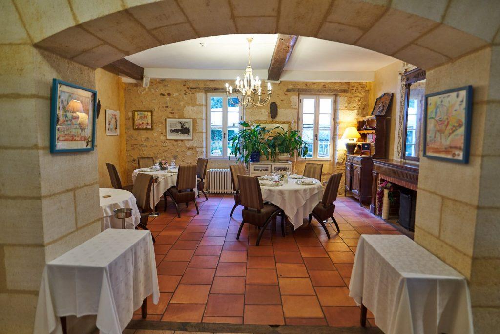 Salle cheminée restaurant la flambée à bergerac