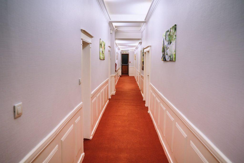 couloir hôtel batiment principal